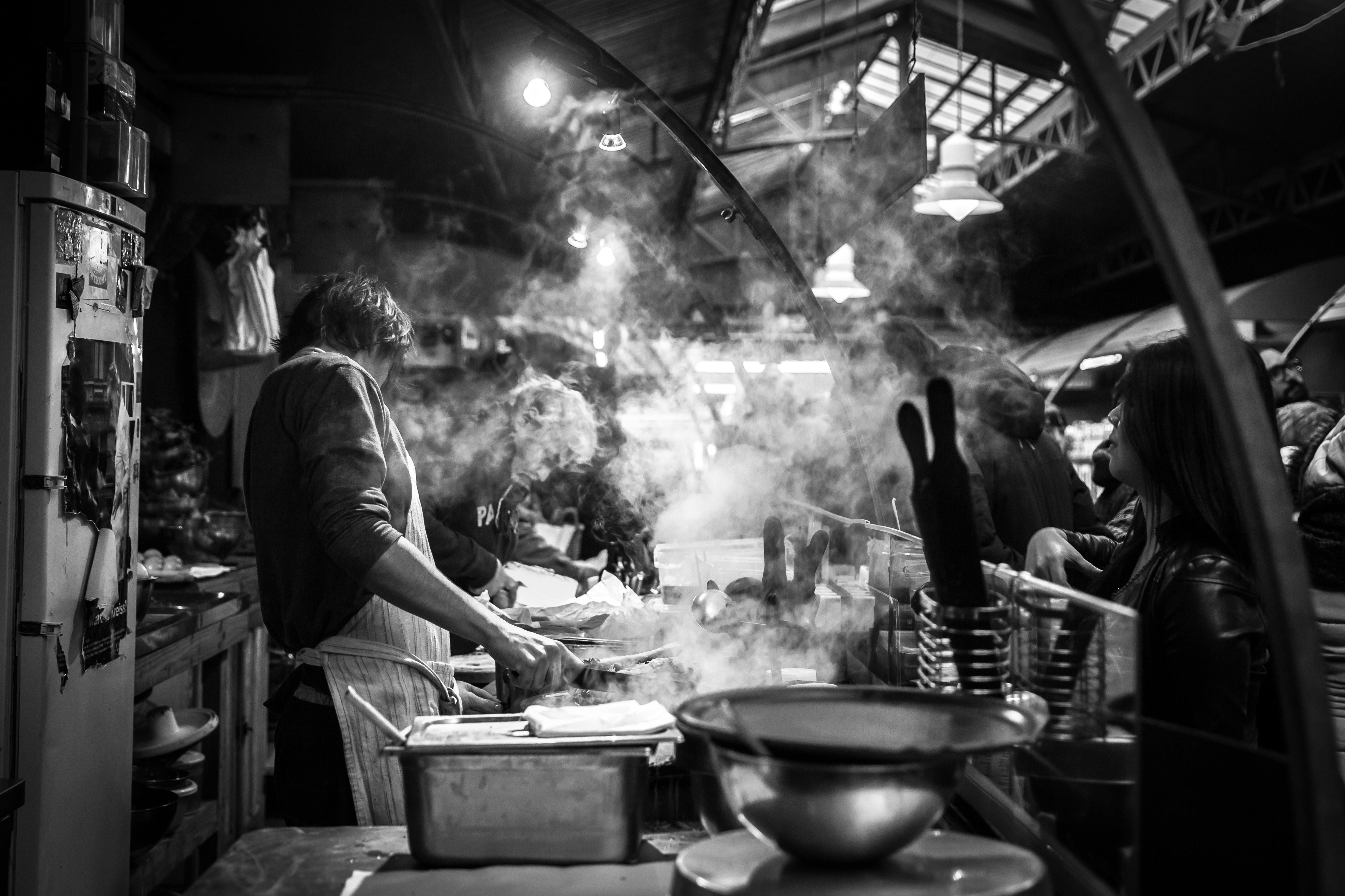 Gratäng på kyckling parat med en livlig Barbera d'Asti